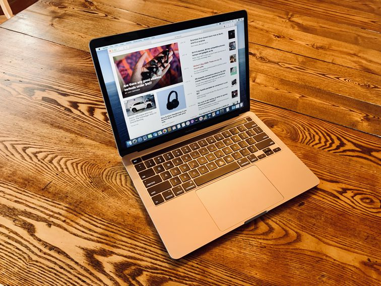 Apple MacBook Pro: Hands-on with the new Magic Keyboard version – CNET