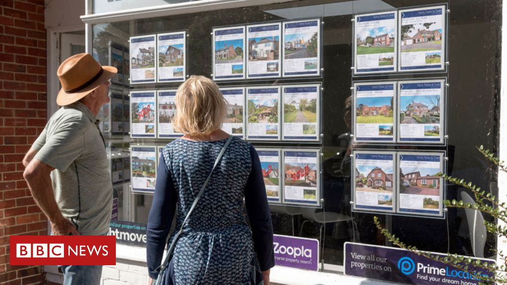 Coronavirus: Moving home allowed as curbs lift on estate agents in England