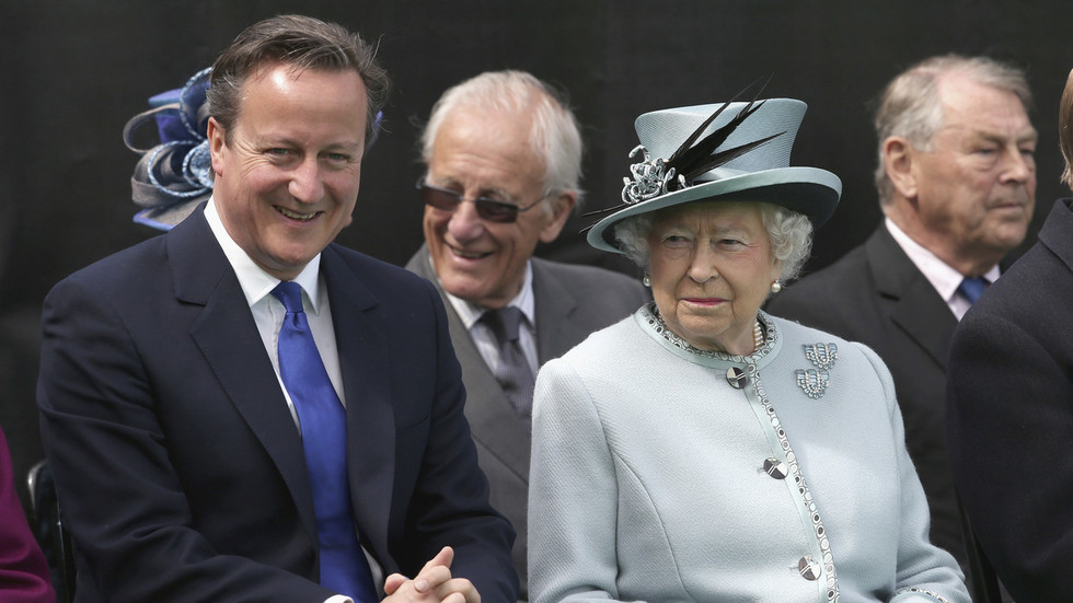 'Totally improper & desperate': Salmond blasts ex-UK PM Cameron for 'begging' Queen for Scottish Indyref help