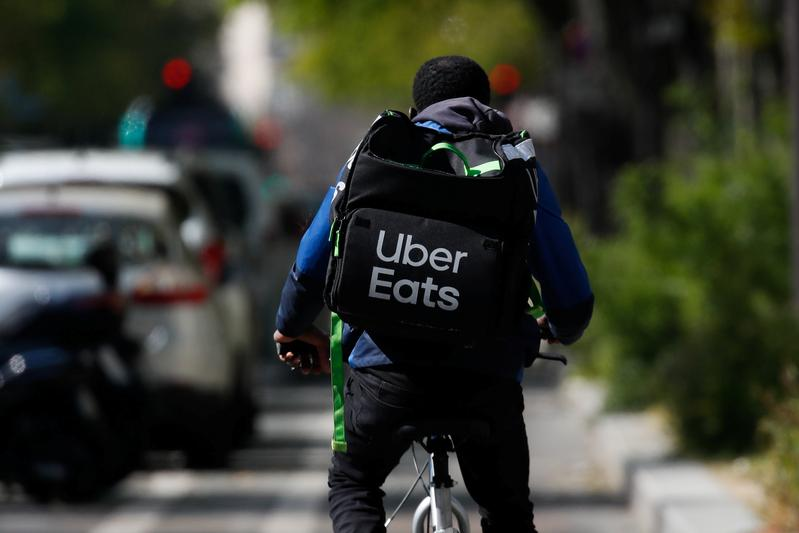 UberEats, Deliveroo workers drive French surge in new companies – Reuters UK